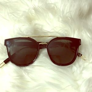 Aldo black and gold sunglasses 😎